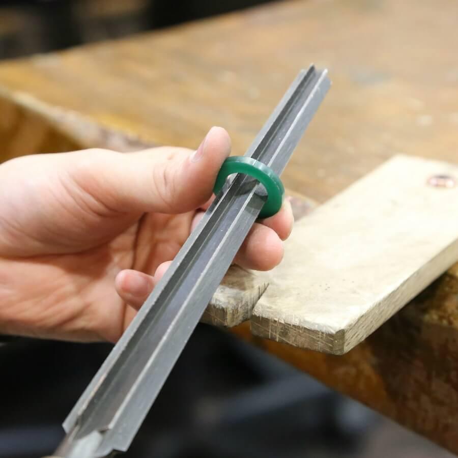 軟らかいロウ材から、キャスト後(鋳造)の金属加工までを学んでいきます