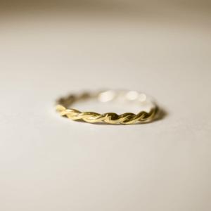 初めてロストワックス製法で作る 「ねじりの装飾リング」