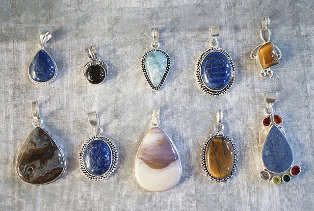 趣味が綺麗な石を集める事っていう方、きっと多いと思います